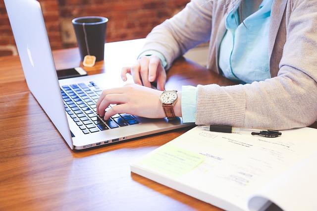 【テンプレあり】Web記事を外注する方法【料金相場・文字数の決め方まで】